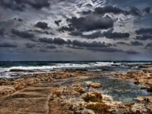 Maltas Küste bei Sturm
