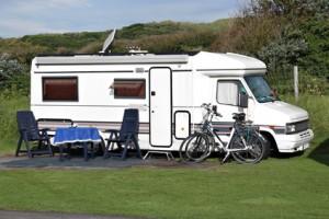 Die große Frage vor der Tour: Wohnmobil oder Caravan?